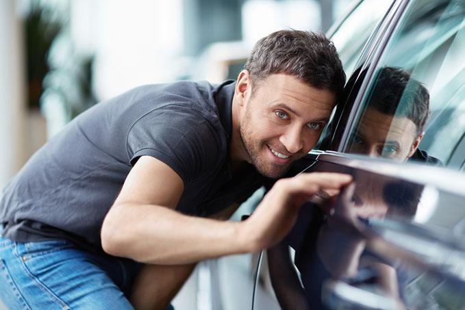 car-salespeople-guide fan