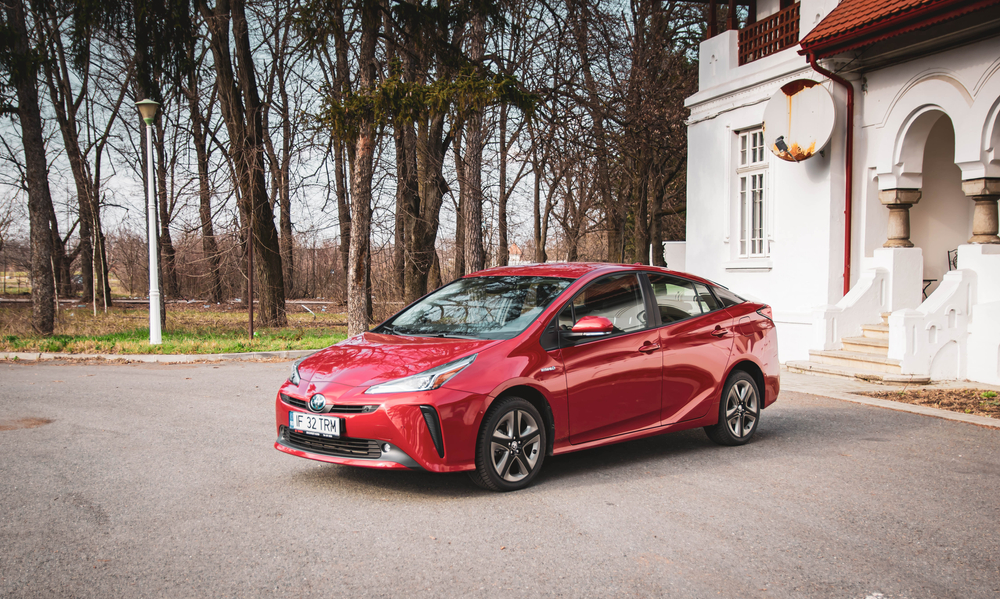 cars-for-college-students toyota prius